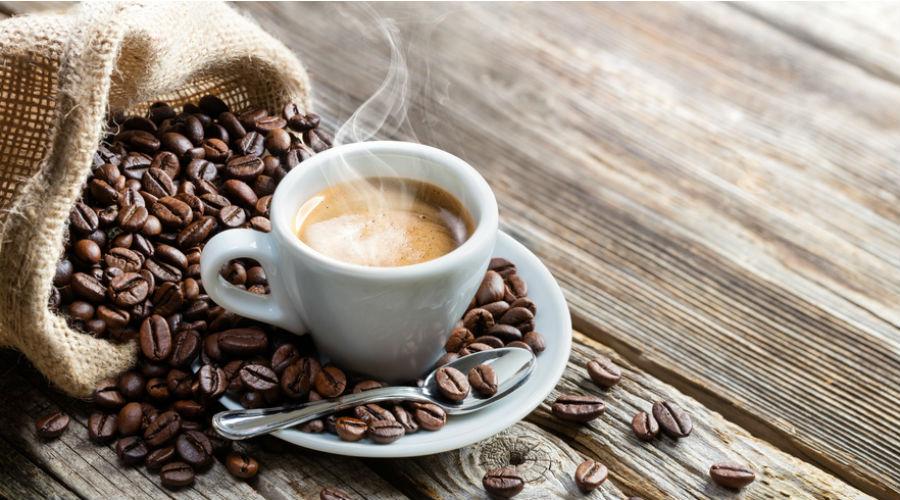 Découvrez dans ce comparatif les cafetières isothermes les plus performantes